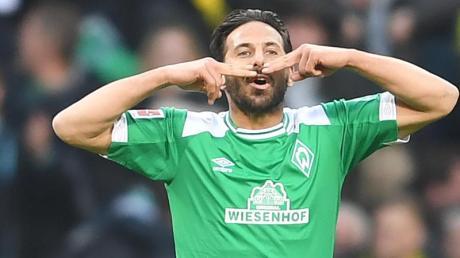 Von der DFL ausgezeichnet: Werder-Legende Claudio Pizarro.