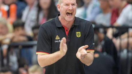 Mit Deutschlands Basketballern in China gefordert: Bundestrainer Hendrik Rödl. Foto: Axel Heimken
