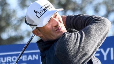 Ohne Sponsor geht es nicht: Golfer Sebastian Heisele beim Abschlag.
