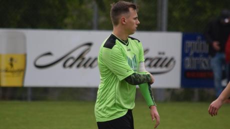 Leon Schuster vom CSC Batzenhofen krempelt die Ärmel hoch. Er will in der kommenden Saison die 30-Tore-Marke knacken.