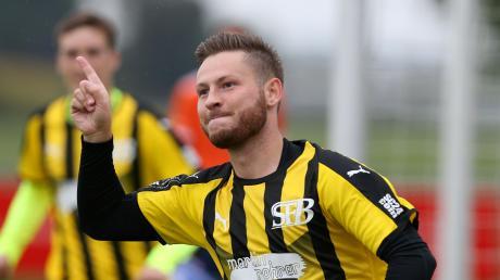 Schon in der ersten Minute durfte Bacherns Michael Mandelka seinen Treffer zum 1:0 in Wulfertshausen bejubeln.