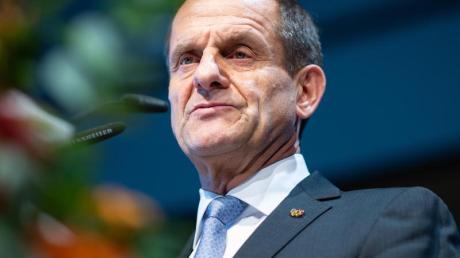 Will den materiellen Verlockungen der Games-Branche widerstehen: Alfons Hörmann, Präsident des DOSB. Foto:Guido Kirchner