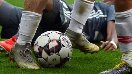 Nach der Länderspielpause geht es in der Bundesliga wieder rund. Foto: Hendrik Schmidt