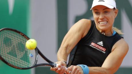 Angelique Kerber hat beim Turnier in Osaka die erste Runde überstanden.