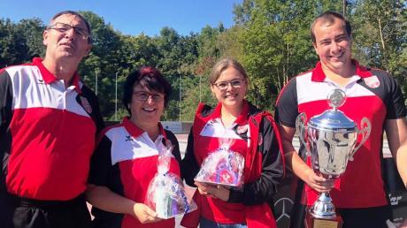 Das Mixed-Team des SC Tegernbach mit (von links) Martin Kurz, Lissi Kurz, Annika Benz und Michael Wagner.