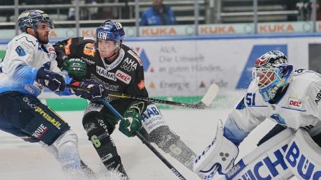 Die Gäste aus Ingolstadt hatten Marco Sternheimer und die Augsburger Panther meist gut im Griff. ERCI-Torwart Timo Pielmeier hielt stark und musste einiges einstecken.