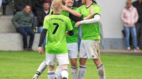 Wenn die Spieler des FC Dettenschwang auch an diesem Spieltag jubeln, haben sie Chancen, wieder die Tabellenführung zu übernehmen.