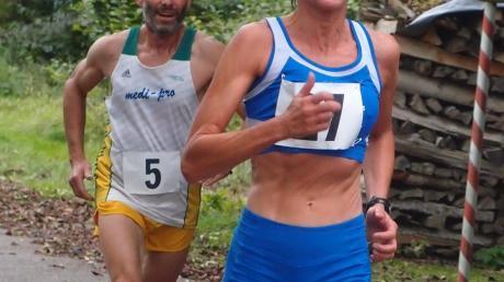 Vor eigenem Publikum auf einer ihrer Hausstrecken gewann Monika Schuri bei den schwäbischen Meisterschaften über zehn Kilometer den Titel.