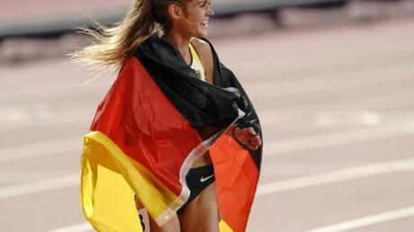 Konstanze Klosterhalfen nach ihrem dritten Platz über 5000 Meter. Leichtathletik-WM 2019 in Doha: Übertragung im Live-TV und Stream - Zeitplan, Termine
