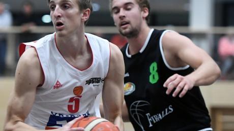 Jonas Sauer (am Ball ) zählte erneut zu den Aktivposten bei der BG Leitershofen/Stadtbergen.