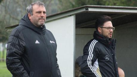 Haben momentan allen Grund, etwas skeptisch dreinzublicken: Marcus Mendel, der Abteilungsleiter des TSV Friedberg, und Interimstrainer Peter Müller. Die Aufgabe gegen Bobingen wird wieder alles andere als leicht.