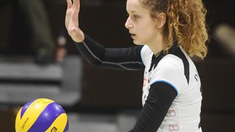 Auf ihre Zuspiele kommt es diesmal an: Die 17-jährige Nadine Kulig übernimmt in Abwesenheit von Lisa Schnürer die Position der Zuspielerin.