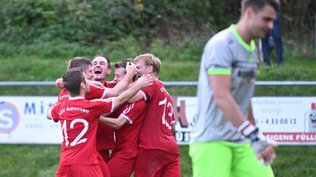 Der SSV Anhausen ist die Überraschungsmannschaft der Kreisliga Augsburg. Während der FC Horgau erstmals in dieser Saison im Spitzenspiel verlor, bejubelte die Truppe aus dem Anhauser Tal einen 2:1-Sieg gegen den Kissinger SC und ist nun als Tabellendritter heiß auf das Spitzenspiel in Horgau.