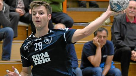 Junge Spieler wie Vinzenz Hegenbart kommen beim TSV Niederraunau regelmäßig in der Landesliga zum Einsatz.