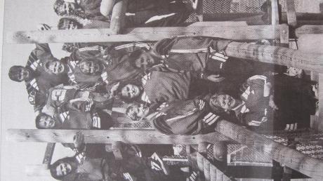 In der schwäbischen Bezirksoberliga spielten vor zwei Jahrzehnten die Handballerinnen des TSV Wittislingen. Vor dem Saisonstart ging es gemeinsam auf einen Kletterturm.