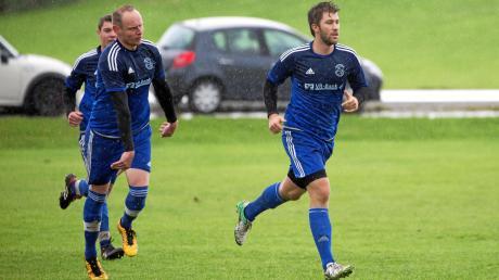 Windachs Spielertrainer Marcel Graf (rechts) hat mit seinem Team die Gunst der Stunde genutzt.