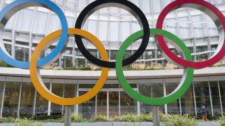 Die Olympischen Ringe könnten zukünfitg auch wieder in Deutschland aufgebaut werden. Foto: Laurent Gillieron/KEYSTONE/dpa