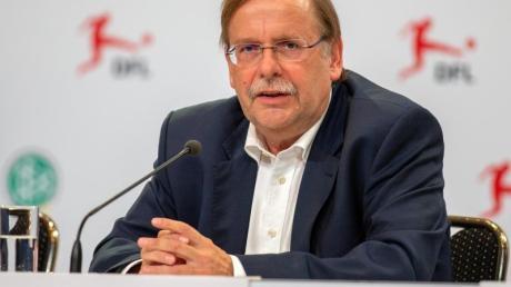 Möchte den DFB in den UEFA- und FIFA-Grimien vertreten: Vize-Präsident Rainer Koch. Foto: Andreas Gora/dpa