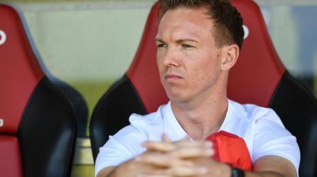 Julian Nagelsmann und Leipzig sind nun vier Bundesligaspiele in Folge ohne Sieg. Foto: Patrick Seeger/dpa