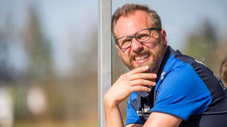 Weils Trainer Martin Geier dürfte mit der Leistung seiner Mannschaft in Oberalting sehr zufrieden gewesen sein.