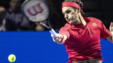 Roger Federer verzichtet aus familiären Gründen nun doch auf die Premiere des ATP-Cups. Foto: Alexandra Wey/KEYSTONE/dpa