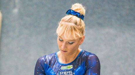 Volle Konzentration: Janine Berger bereitet sich in Buchholz auf ihre Übung vor.