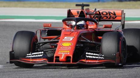 Sieht sich mit seinem Team Betrugsvorwürfen ausgesetzt: Ferrari-Pilot Sebastian Vettel. Foto: Darron Cummings/AP/dpa