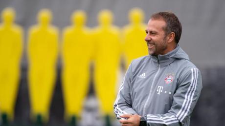 Hansi Flick leitete am Dienstag das Training des FC Bayern.