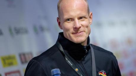 Übertrifft die ihn ihn gesetzten Erwartungen: Trainer Toni Söderholm. Foto: Monika Skolimowska/zb/dpa