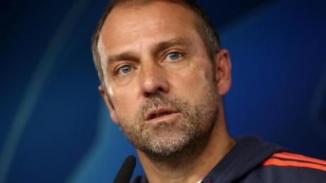 Hans-Dieter Flick lässt im Spiel gegen Olympiakos Piräus zunächst Coutinho und Thiago auf der Bank.