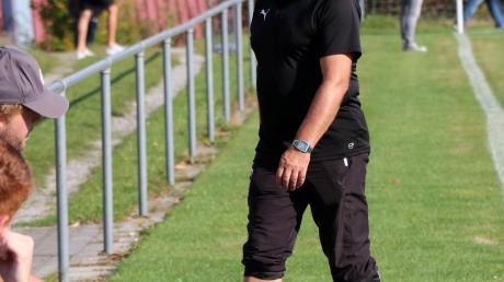 Ein Trainer muss auch leidensfähig sein: Oft vermasseln individuelle Fehler das teils gute Spiel der Langenneufnacher. Ob es für das Team von Jürgen Streit in Margertshausen was zu ernten gibt, ist daher eher fraglich.