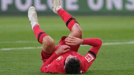 Der Leverkusener Kai Havertz verletzte sich in Wolfsburg. Foto: Peter Steffen/dpa