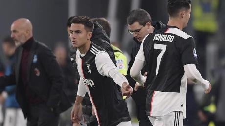 Juves Superstar Cristiano Ronaldo (r) verstand seine Auswechslung nicht. Foto: Fabio Ferrari/Lapresse/Lapresse via ZUMA Press/dpa