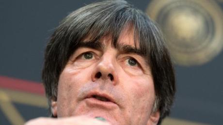 Bundestrainer Joachim Löw legte fest, welcher Torhüter in welchem EM-Qualifikationsspiel spielen wird. Foto: Federico Gambarini/dpa