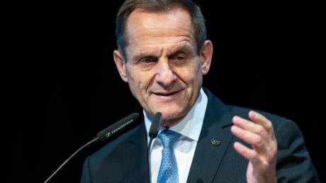 Alfons Hörmann, Präsident des Deutschen Olympischen Sportbundes, begrüßte die zusätzliche Förderung des Sports.