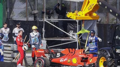 Wenige Runden vor Schluss krachen Sebastian Vettel und Charles Leclerc in Brasilien zusammen. Foto: Marcelo Chello/ZUMA Wire/dpa