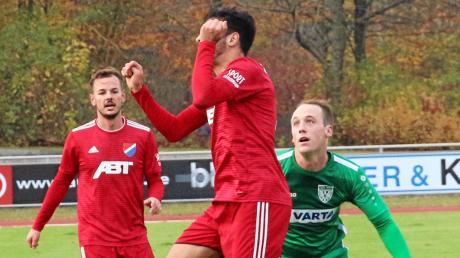 Simon Gruber (rechts) spielte erstmals in der Anfangsformation des Nördlinger Bayernliga-Teams. Auch er konnte freilich die enttäuschende Heimniederlage gegen Kottern nicht verhindern.