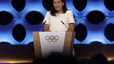 Anne Hidalgo is die Bürgermeisterin von Paris.
