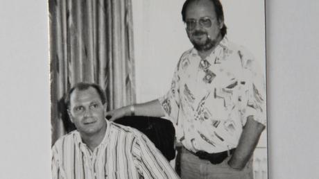 Vor 20 Jahren hat Babenhausen-Präsident Martin Gleich Uli Hoeneß in München besucht (Bild links), der kürzlich als FCB-Präsident verabschiedet wurde (Bild rechts oben). Rechts unten ist Gleich (links) mit dem TSV-Präsidium bestehend aus Susanne Hust (Schriftführerin) und Klaus Seidler (Kassier).