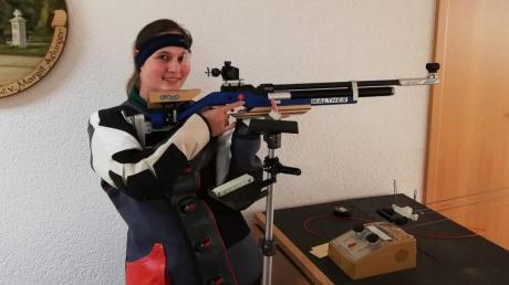 Rebekka Wüst von den Enkinger Egerschützen erzielte im vierten Durchgang der Gauoberliga mit 387 Ringen Saisonbestleistung.Foto: Katja Wüst