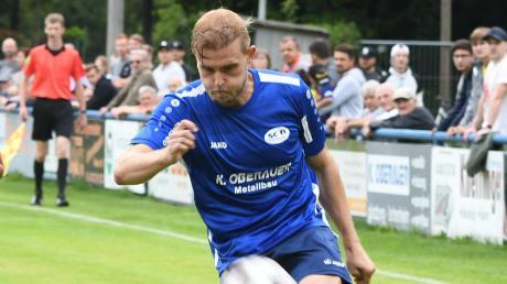 So wird man Benjamin Sturm wohl länger nicht mehr sehen. Dem Kicker des SC Ichenhausen drohen acht Spiele Sperre.