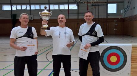 Spitzenplätze bei den Vereins- und Gaumeisterschaften belegten in Schwabmünchen (von links) Reinhold Burz, Antonino Giunta und Andreas Krüger.