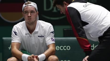Schauen zuversichtlich in die Zukunft: Jan-Lennard Struff (l) und Davis-Cup-Teamchef Michael Kohlmann.
