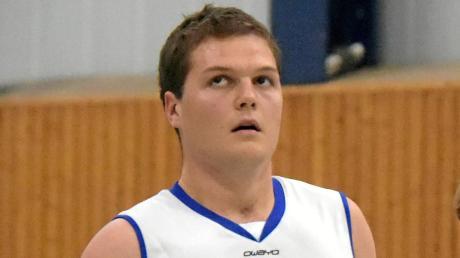 Matthias Ottlik zeigte eine starke Leistung und trug zum Erfolg der Basketballer des TV Augsburg bei.