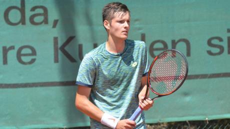 Noah Thurner vom TC Friedberg ist derzeit gerade in Tunesien bei einem ITF-Turnier unterwegs. Der 19-Jährige ist momentan die deutsche Nummer 130 und er möchte versuchen, den Sprung zum Tennisprofi zu schaffen.