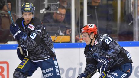Mike Collins (links) und Wayne Simpson vom ERC Ingolstadt kennen sich schon seit ihrer Kindheit.