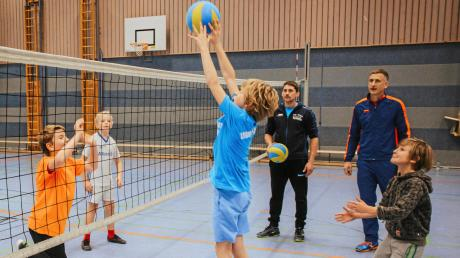 Die Lechrain Volleys suchen händeringend männlichen Nachwuchs. Trainiert wird derzeit einmal in der Woche in Weil.