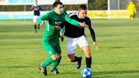 Auswärtsspiel zum Abschluss: Christoph Hollinger (rechts) ist mit dem FC Ehekirchen beim FC Garmisch-Partenkirchen zu Gast.