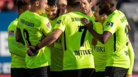 Der SV Wehen Wiesbaden besiegte den 1. FC Nürnberg mit 2:0.