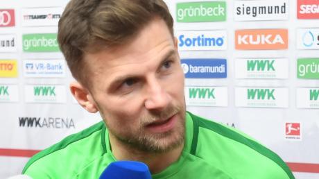Viele Fragen der FCA-Fans erwarten Kapitän Daniel Baier heute Abend beim FCA-Stammtisch beim VfL Ecknach. Der 35-Jährige erfüllt auch Autogramm- und Fotowünsche.